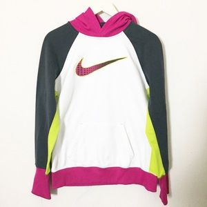 NIKE ThermaFit Graphic Hooded Pullover Sweatshirt